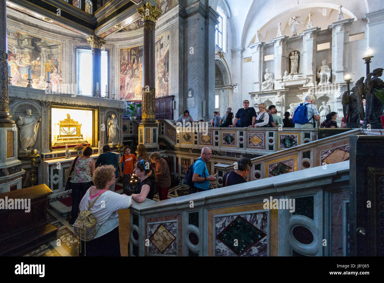 Rome. Italy. Visitors flock to the Basilica di San Pietro in Vincoli to see Michelangelo's Tomb of Pope Julius - Stock Image