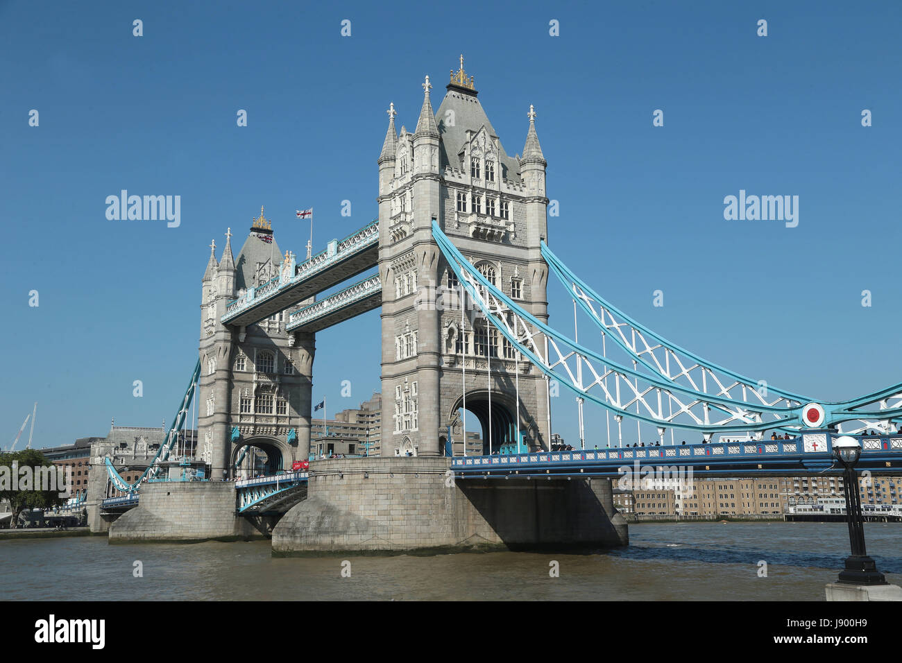 the iconic tower bridge in london one of the most famous buildings