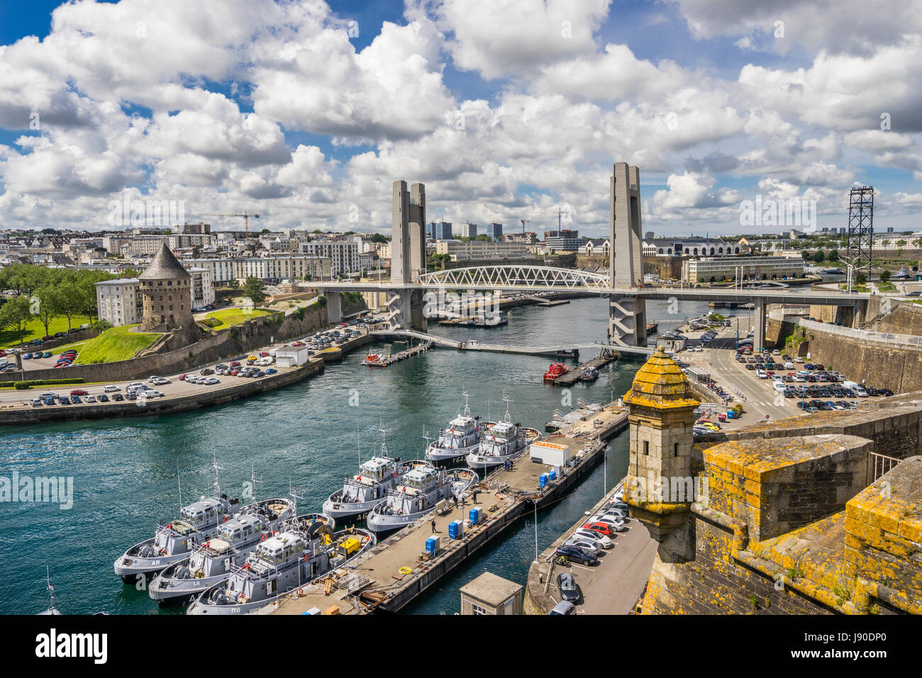 France, Brittany, Finistére department, Brest, the battlements of Chateau de Brest with view of Penfeld River, - Stock Image