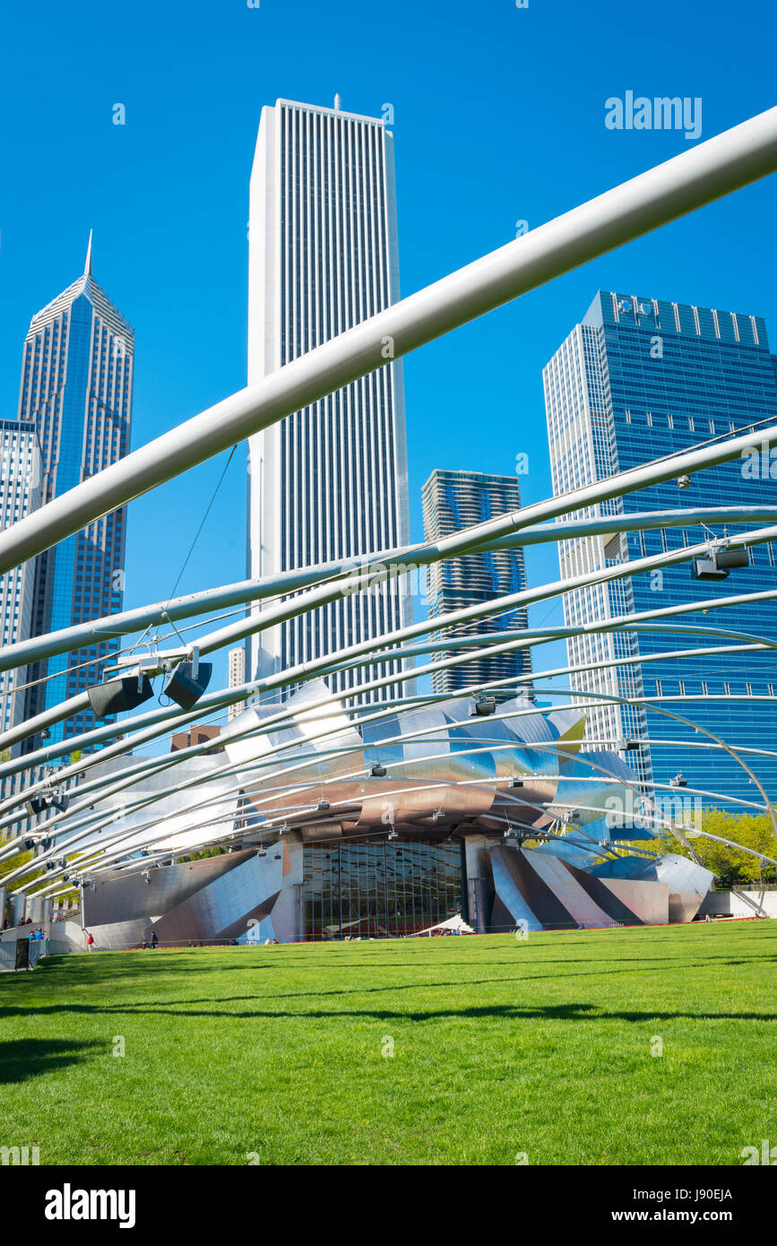 Chicago Illinois Millennium Park skyscraper skyscrapers Jay Pritzker Pavillion architect Frank Gehry music festival - Stock Image