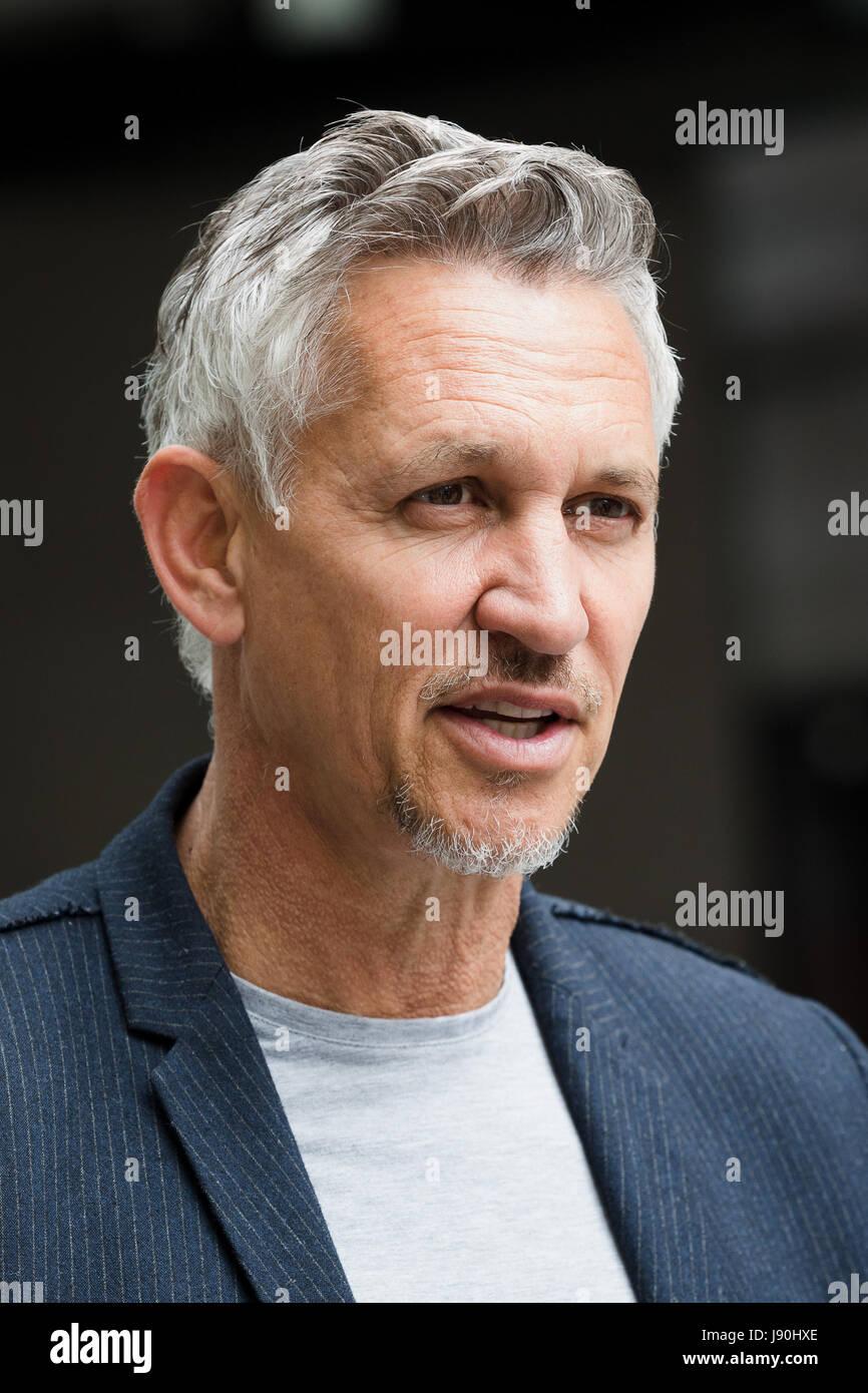 London, UK. 30th May, 2017. Gary Lineker, retired footballer speaks to reporters outside BBC Broadcasting House - Stock Image