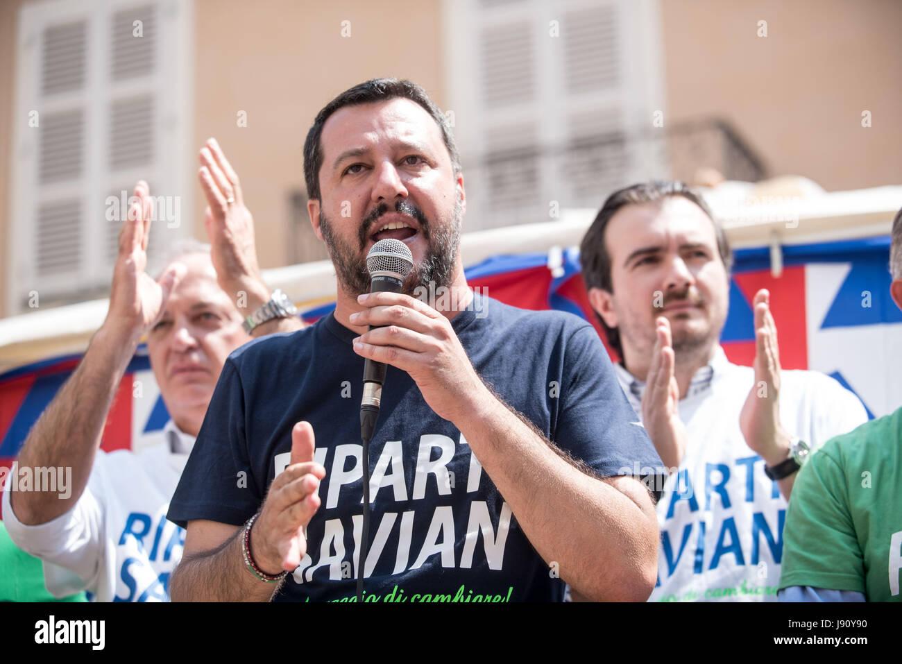 Savigliano, Italy 31th may 207  The italian politic Matteo Salvini (leader of Lega Nord) talks in Piazza Cesare - Stock Image