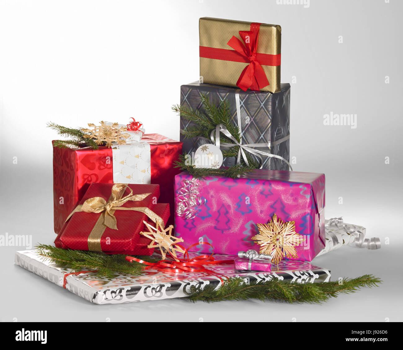 Donating Christmas Gifts: Gift, Donate, Christmas Box, Christmas, Xmas, X-mas