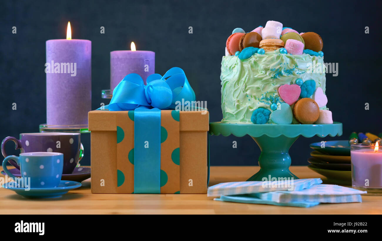 happy fathers day or masculine birthday party table with showstopper