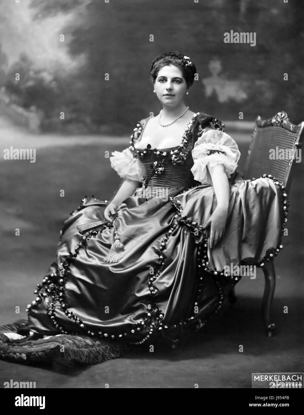 MATA HARI (1876-1917) Dutch dancer and German spy photographed in Amsterdam in 1915 - Stock Image