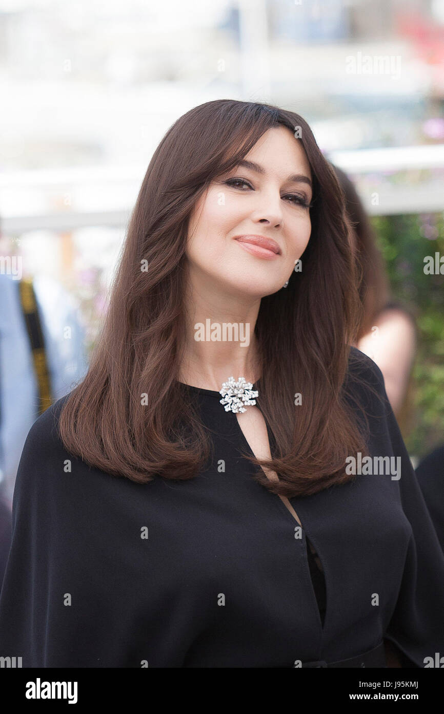 CANNES, FRANCE - MAY 17: Monica Bellucci attends a photocall for her duty as Mistress of Ceremonies during the 70th Stock Photo