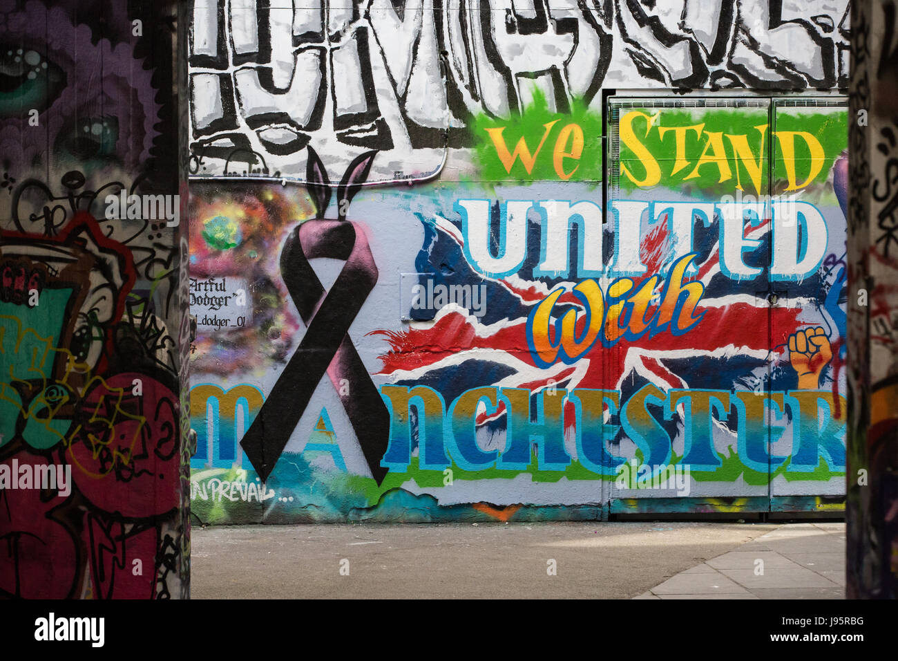 Graffiti On The South Bank Reads We Stand United With Manchester Following The Recent Attack At The Manchester Arena Credit Mark Kerrison Alamy Live