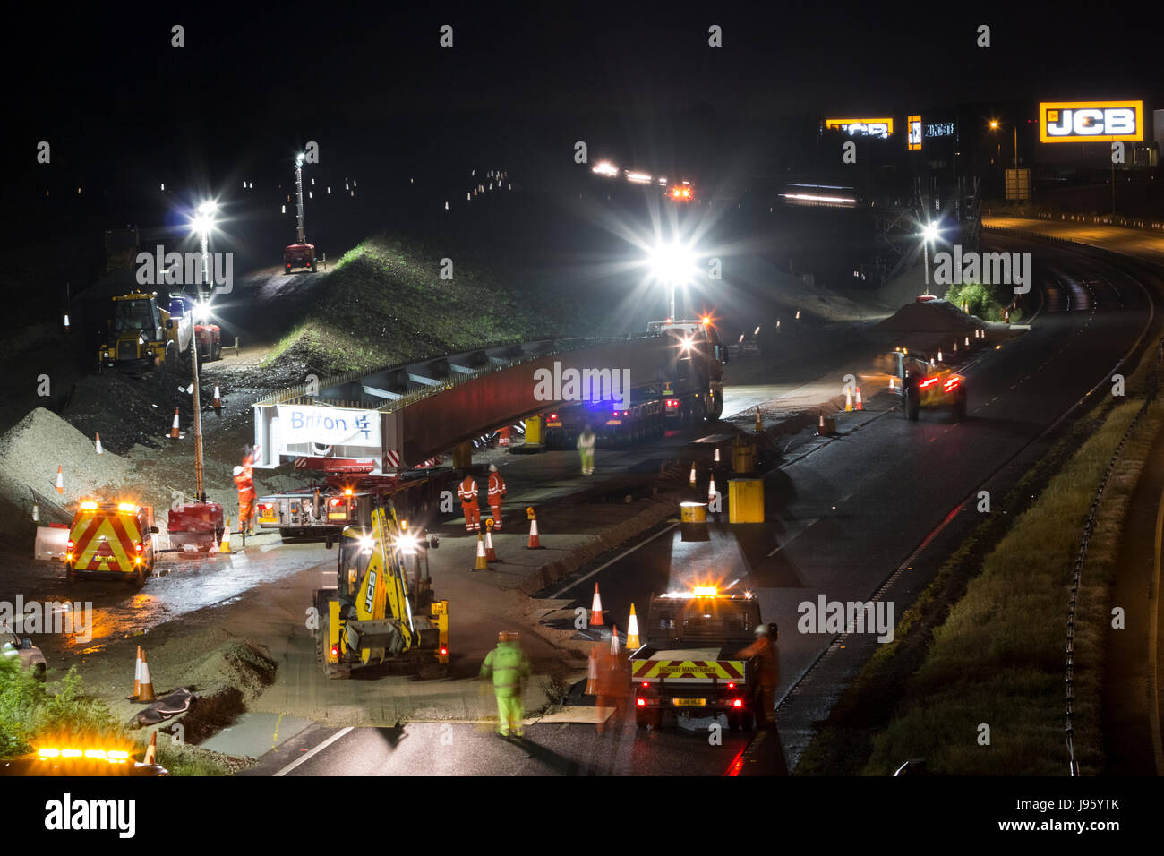 Uttoxeter, Staffordshire, UK. 05th June, 2017. The first large bridge fabrication arrives at the work site of the - Stock Image