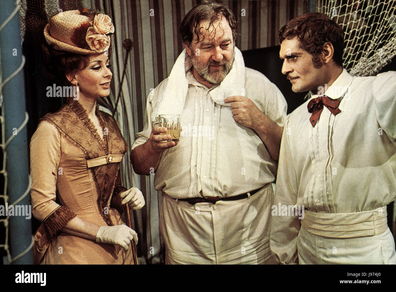 MAYERLING / FRA/GB 1968 / Terence Young Filmszene mit ANDREA PARISY als Prinzessin Stephanie, JAMES ROBERTSON JUSTICE - Stock Image
