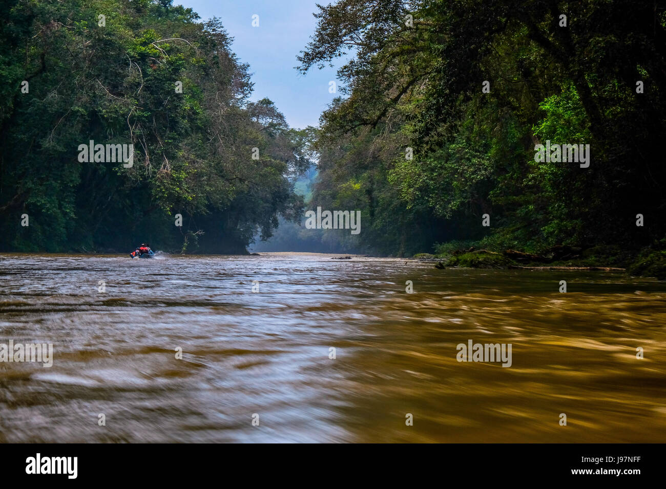 Along the Embaloh river to Betung Kerihun National Park in the Heart Of Borneo, West Kalimantan, Indonesia. - Stock Image