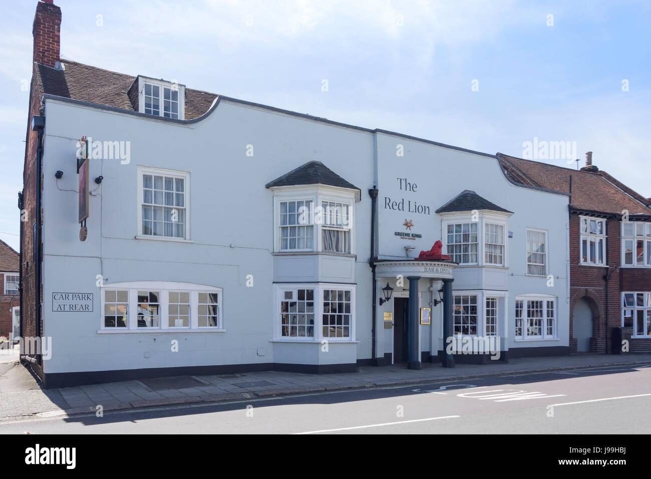 18th century The Red Lion Hotel, High Street, Fareham, Hampshire, England, United Kingdom - Stock Image