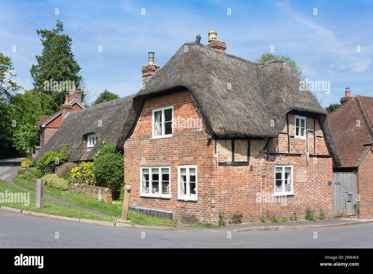 Thatched cottage, High Street, West Meon, Hampshire, England, United Kingdom - Stock Image