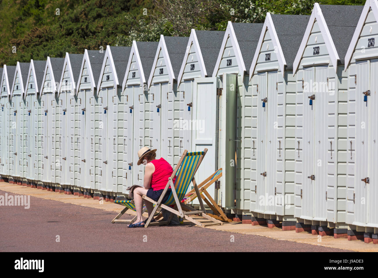 Bournemouth, Dorset, UK. 1st June, 2017. UK weather: hot sunny day as the temperature rises and visitors head to - Stock Image
