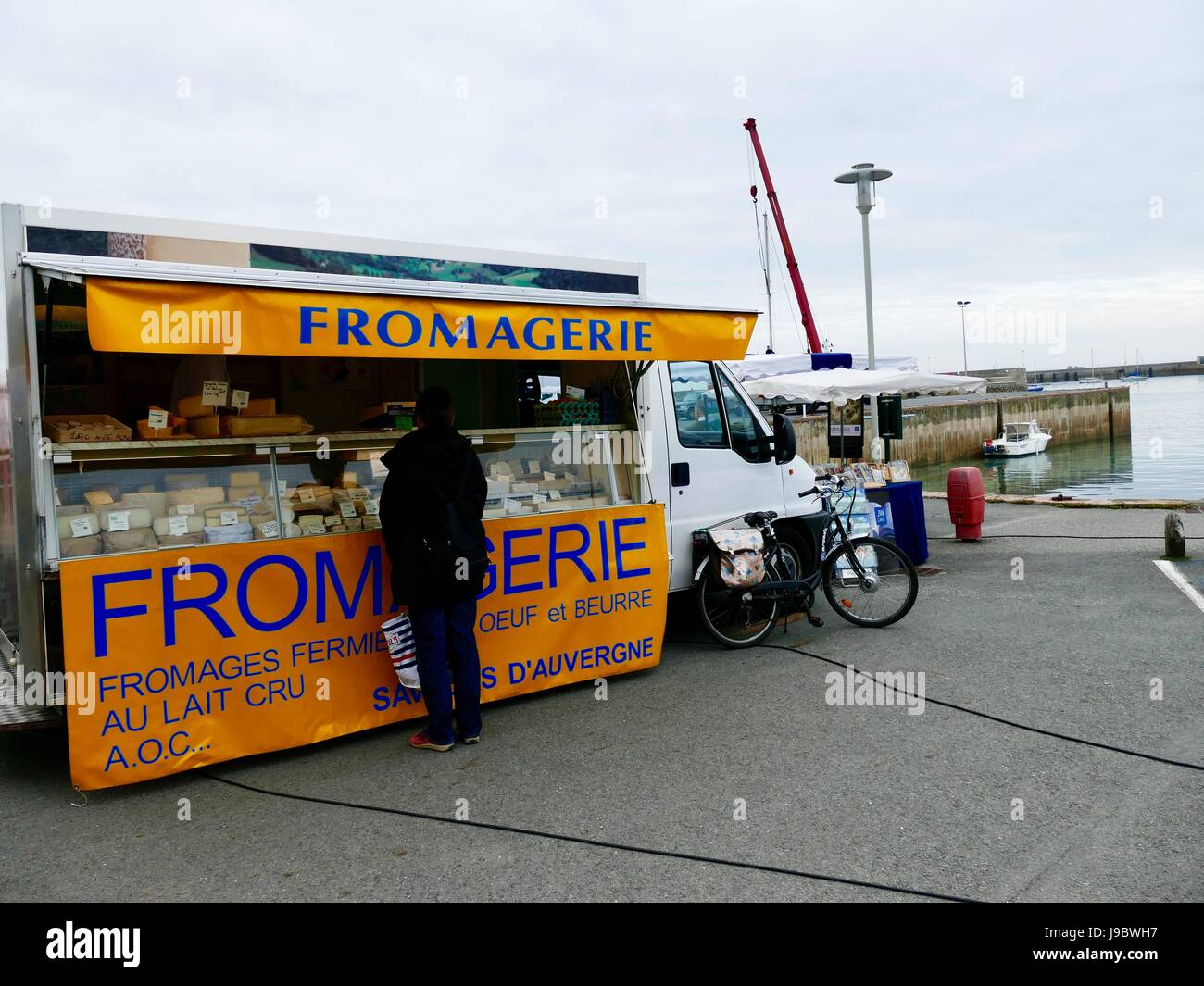 Fromagerie, cheese truck, at the Wednesday outdoor market. Roscoff, Brittany, France. - Stock Image