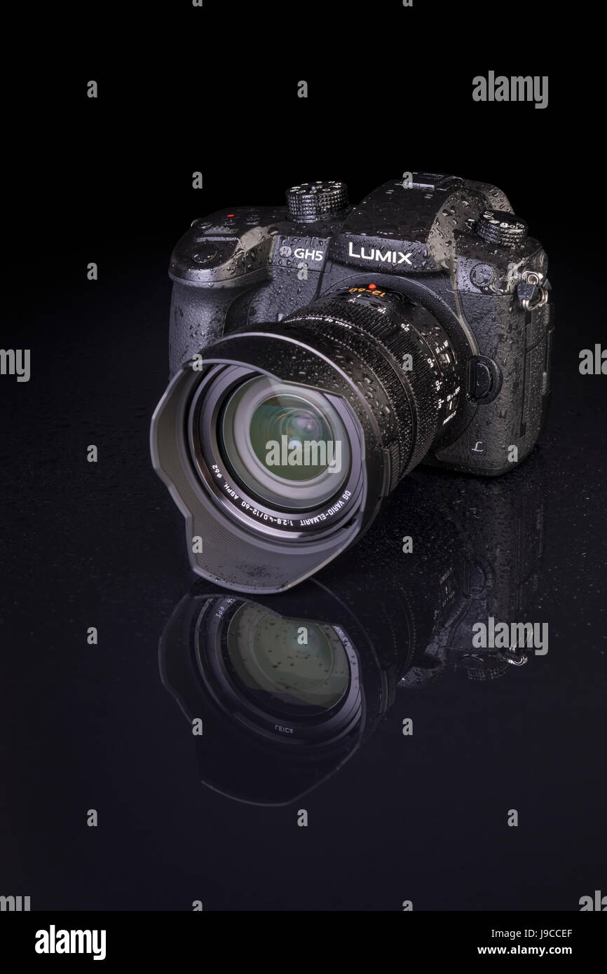 Galati, Romania - APRIL 25, 2017:  Modern view detail of the Panasonic Lumix DMC-GH5 - and Leica Vario-Elmarit 12 - Stock Image