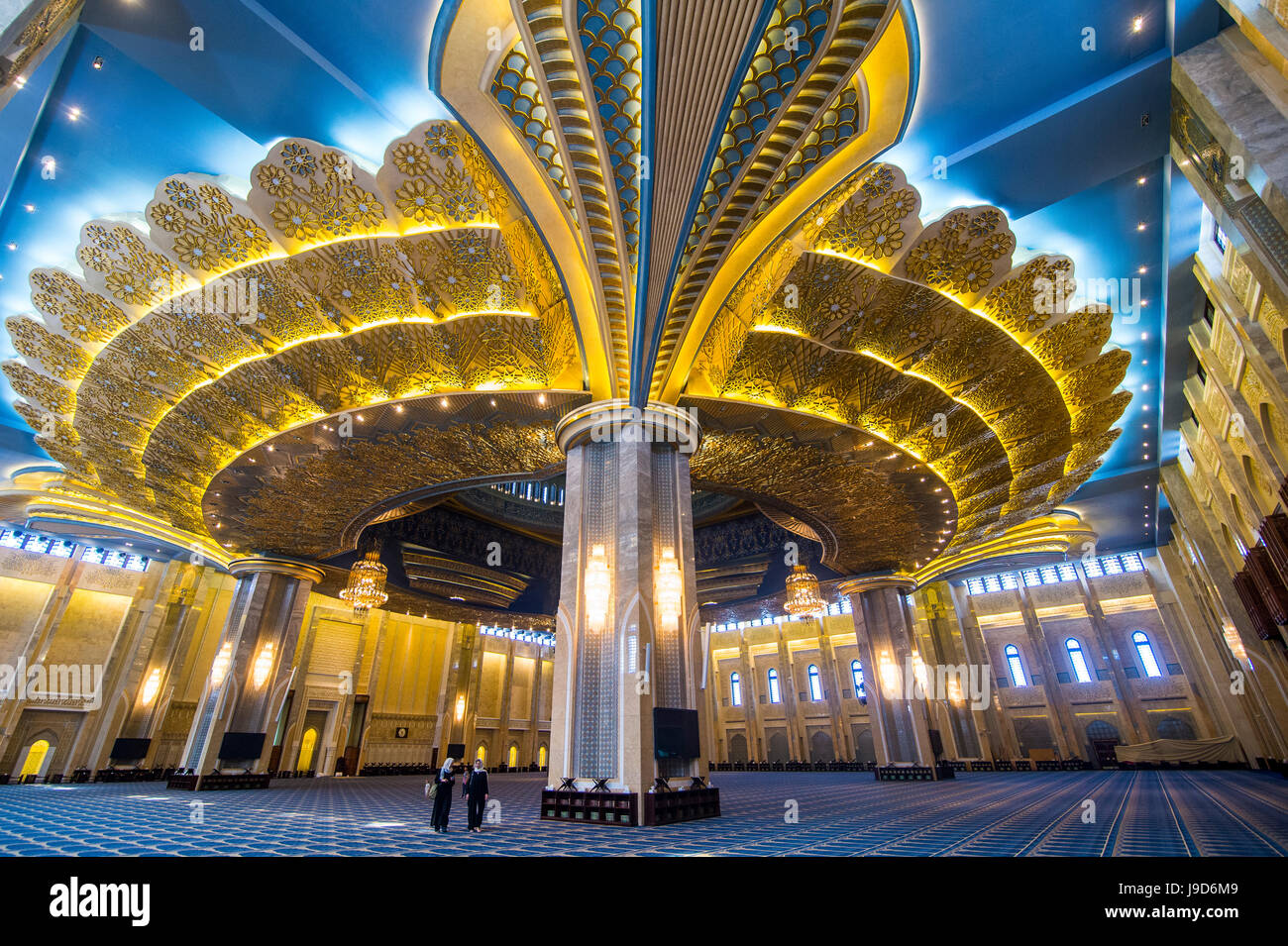 Inside the magnificent Grand Mosque, Kuwait City, Kuwait, Middle East - Stock Image