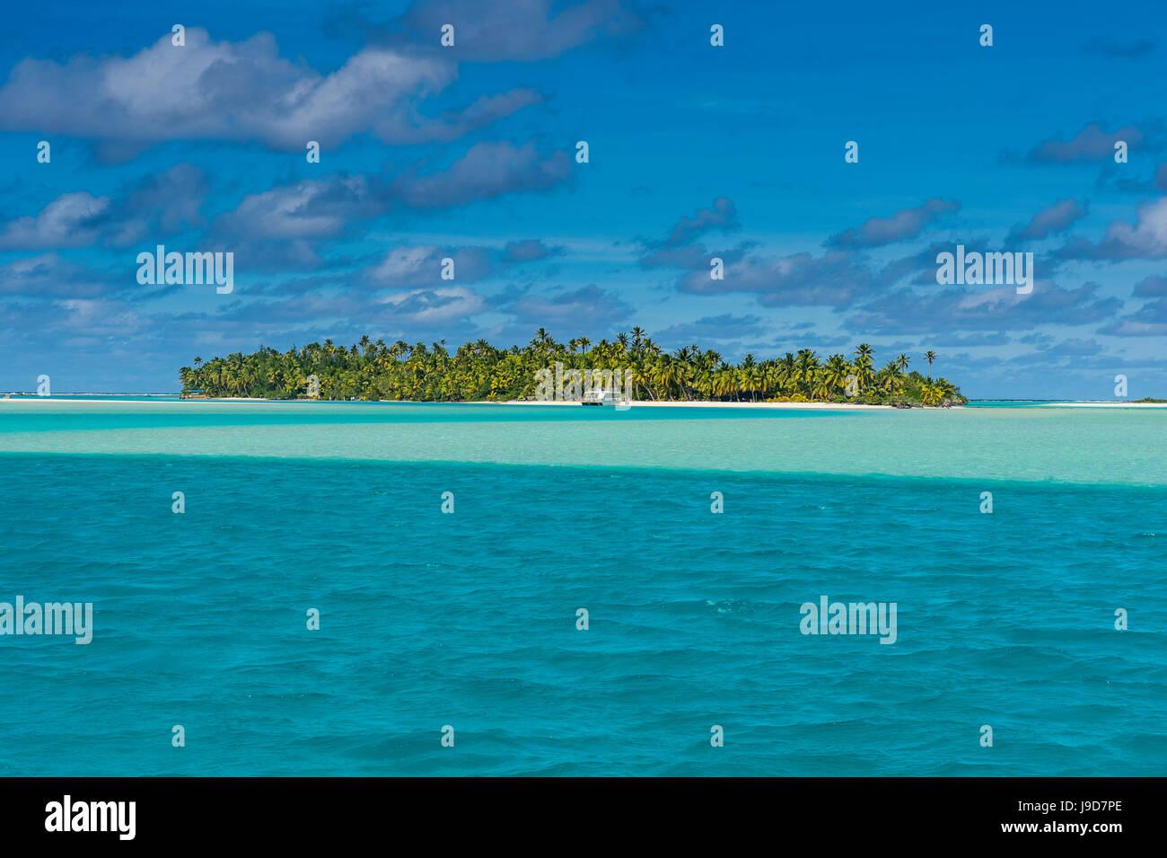 Aitutaki lagoon, Rarotonga and the Cook Islands, South Pacific, Pacific - Stock Image
