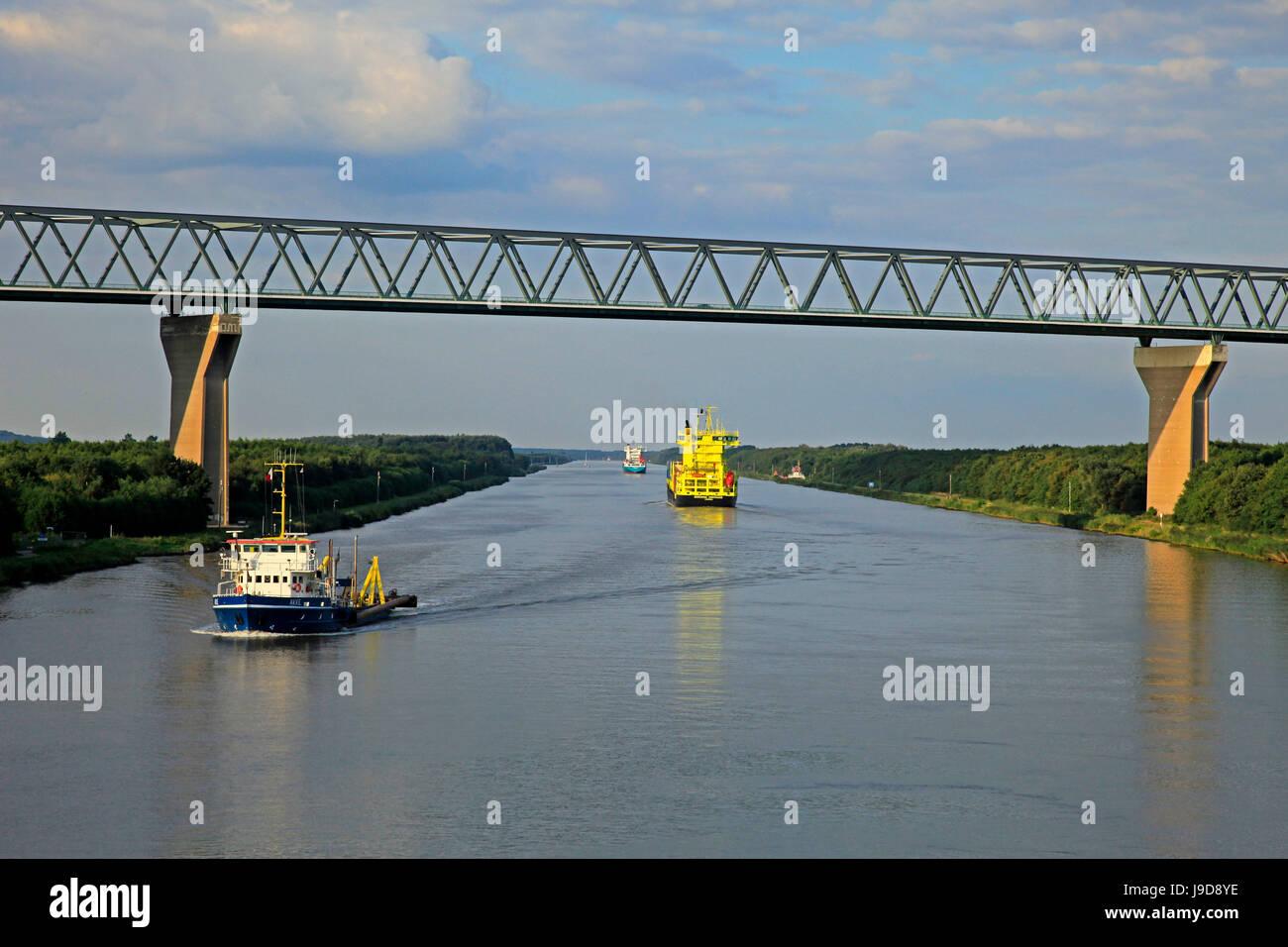 Vessels on Kiel Canal near Brunsbuttel, Schleswig-Holstein, Germany, Europe - Stock Image