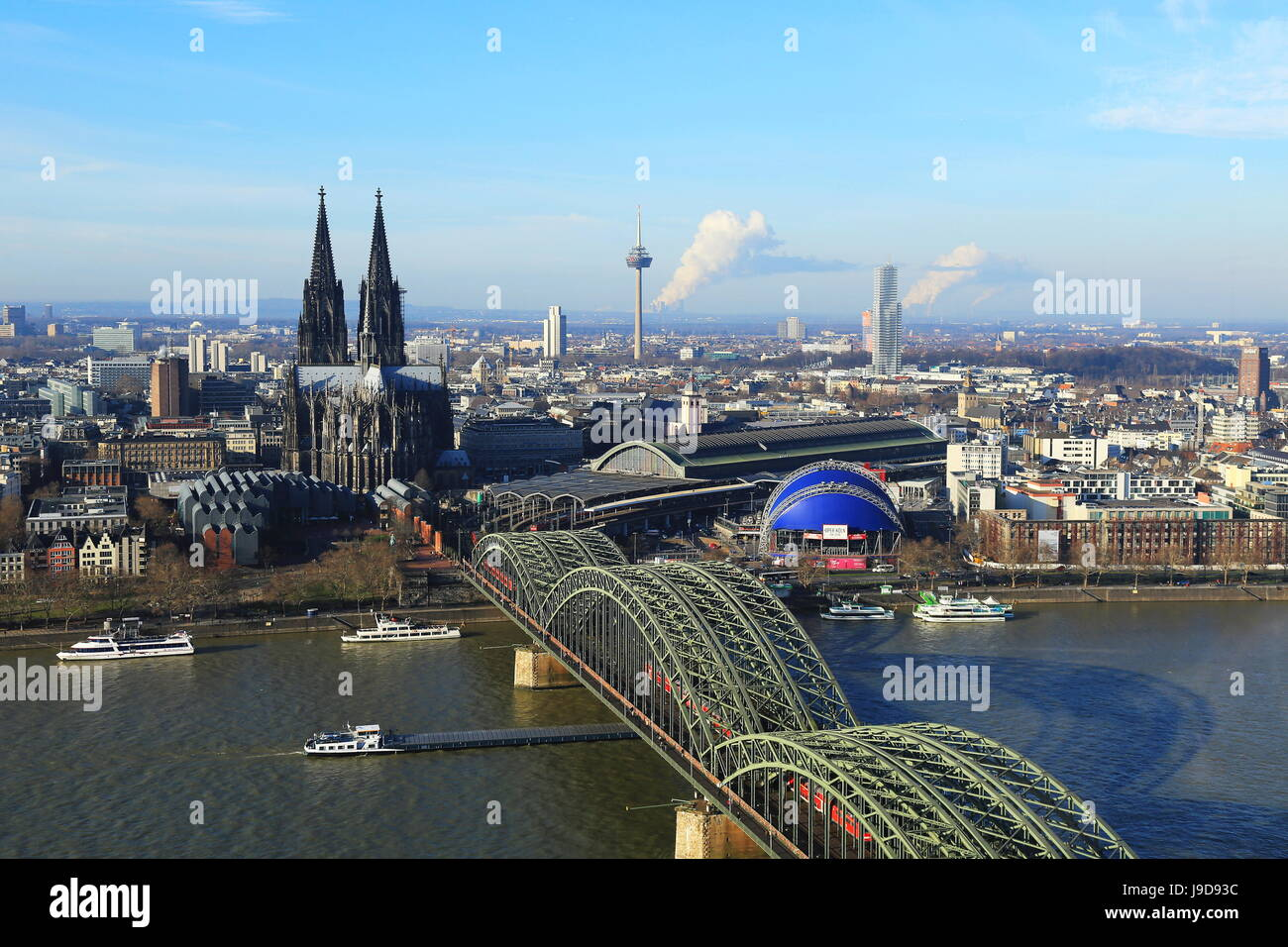 Hohenzollern Bridge with Cologne Cathedral, Cologne, North Rhine-Westphalia, Germany, Europe - Stock Image