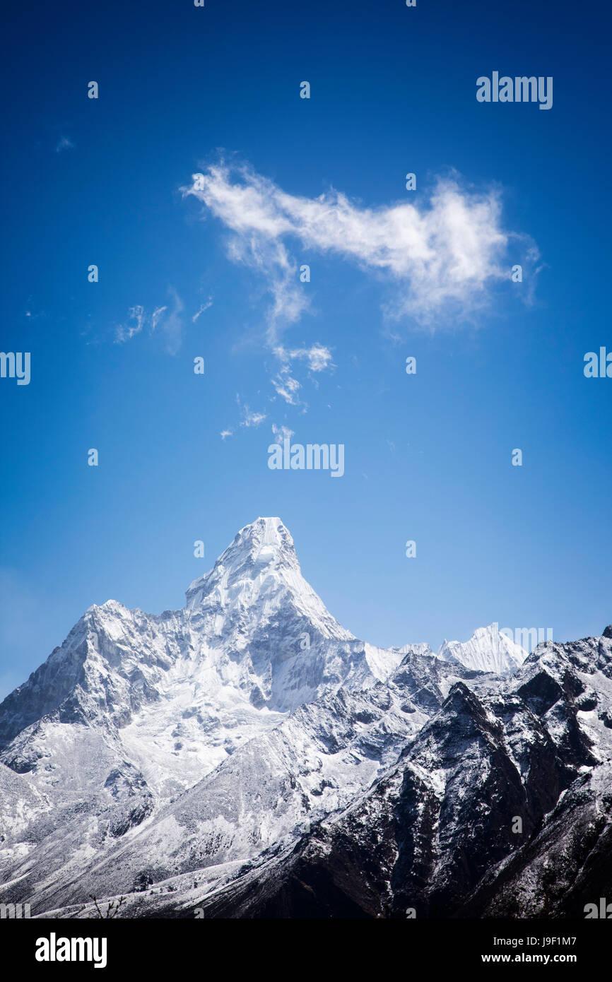 Ama Dablam soars to 6856 meters in Sagarmatha National Park, Nepal. - Stock Image