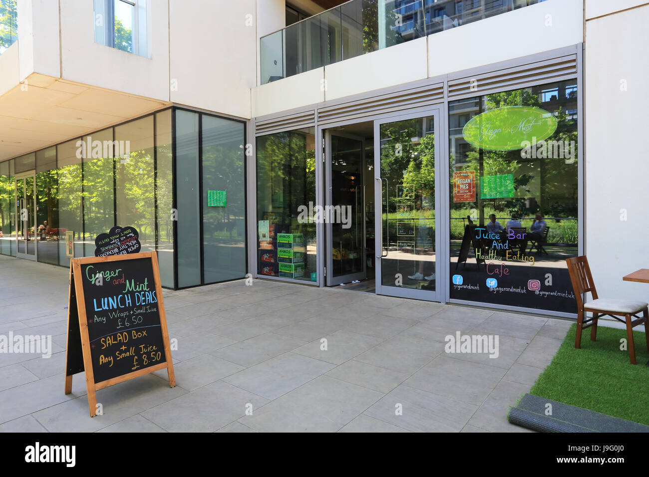 Ginger & Mint cafe/juice bar on Victory Parade, in trendy East Village, former home of the Olympic athletes, - Stock Image