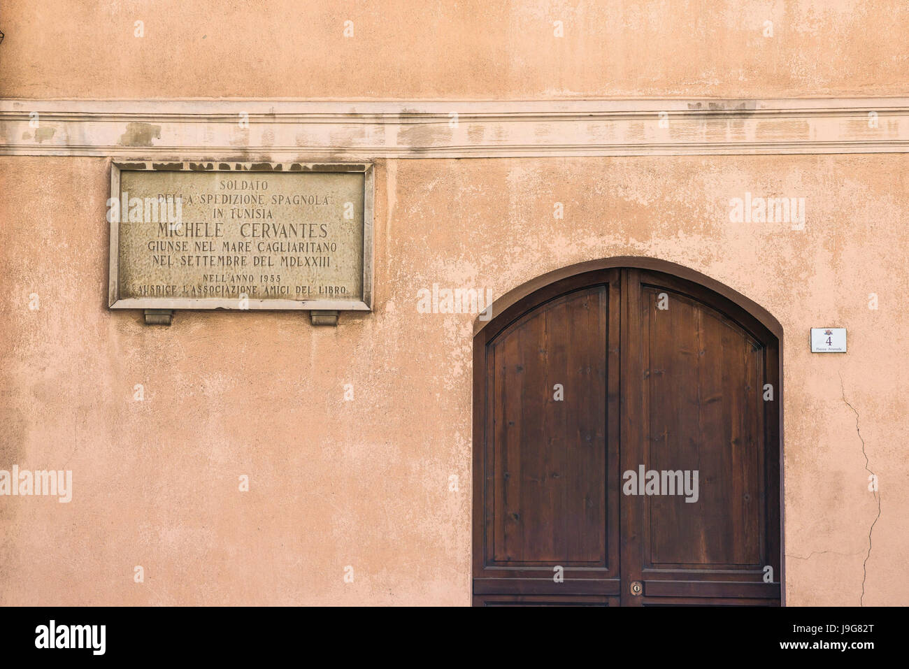Cervantes Cagliari, plaque in the Piazza Arsenale recording the place where Miguel de Cervantes stayed in Cagliari, - Stock Image