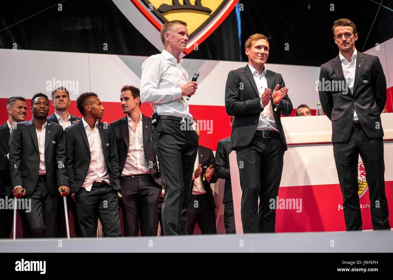 Stuttgart, Germany. 01st June, 2017. VfB-athletic director Jan Schindelmeiser (front L), VfB-coach Hannes Wolf (front - Stock Image