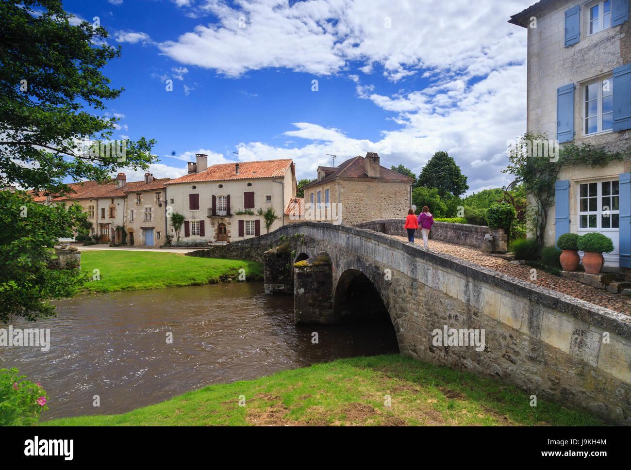 France, Dordogne, Saint Jean de Cole, labelled Les Plus Beaux Villages de France, the village and the medieval bridge - Stock Image