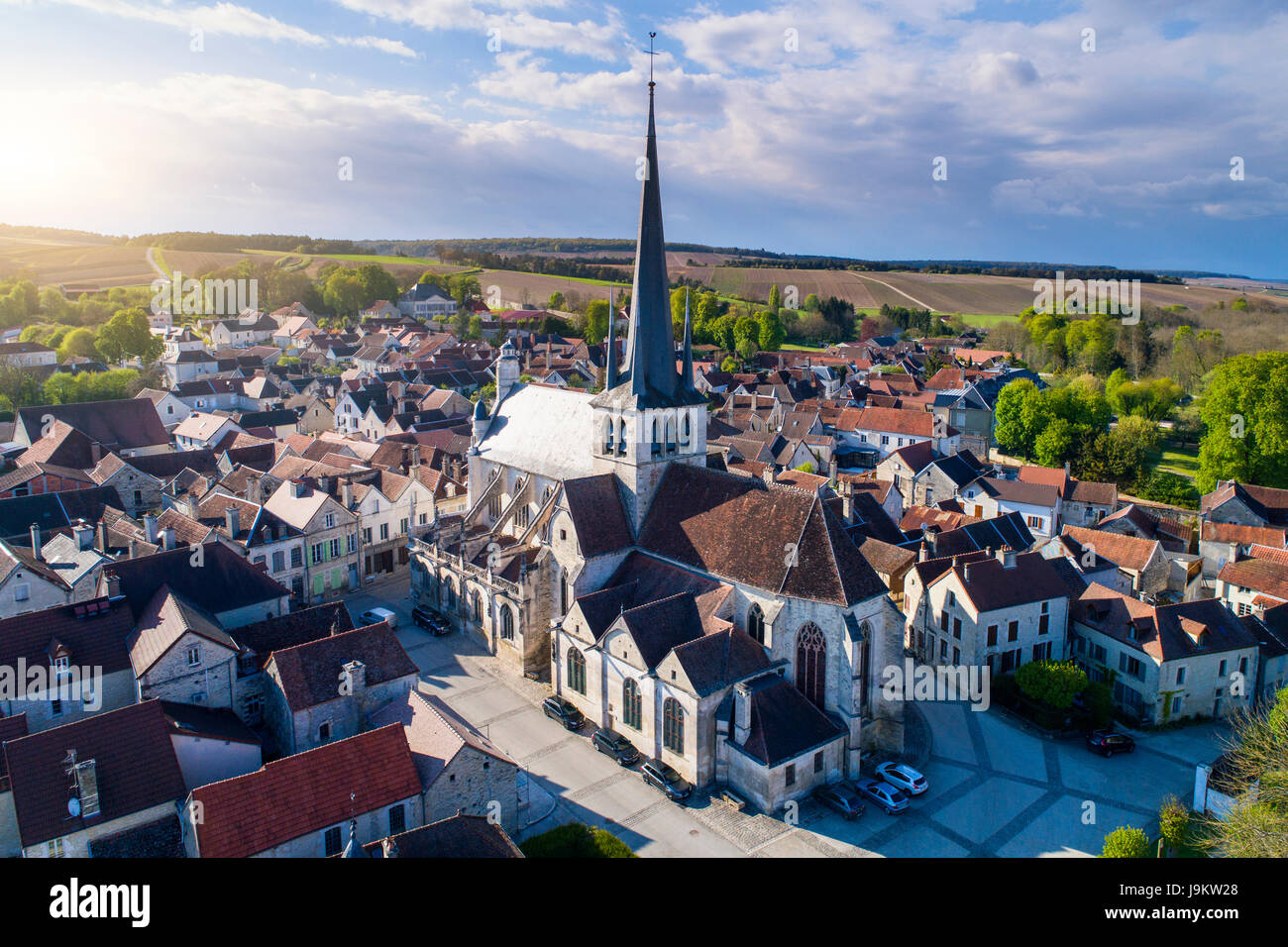 France, Aube (10), Vue aerienne du village des Riceys//France, Aube (10), Aerial view of Les Riceys - Stock Image
