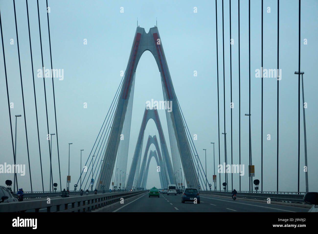 Nhat Tan Bridge (or Japan Friendship Bridge), over Red River, Hanoi, Vietnam - Stock Image