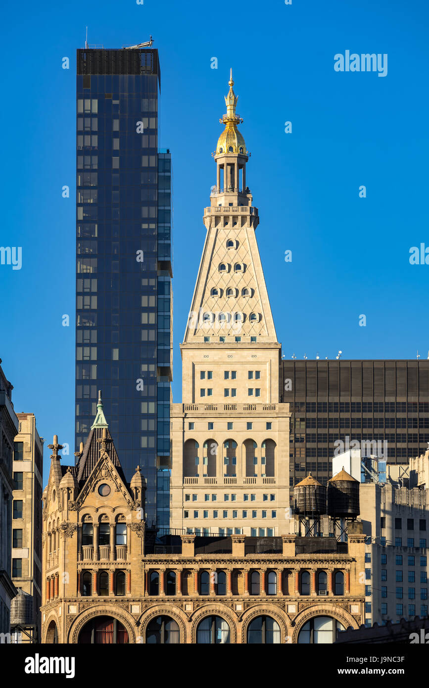 Metropolitan Life Tower and One Madison Park skyscrapers. Midtown Manhattan, New York City - Stock Image