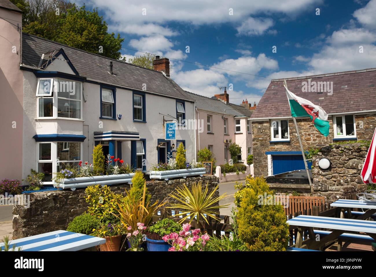 UK, Wales, Pembrokeshire, Little Haven, St Bride's Road, St Bride's Inn public house - Stock Image