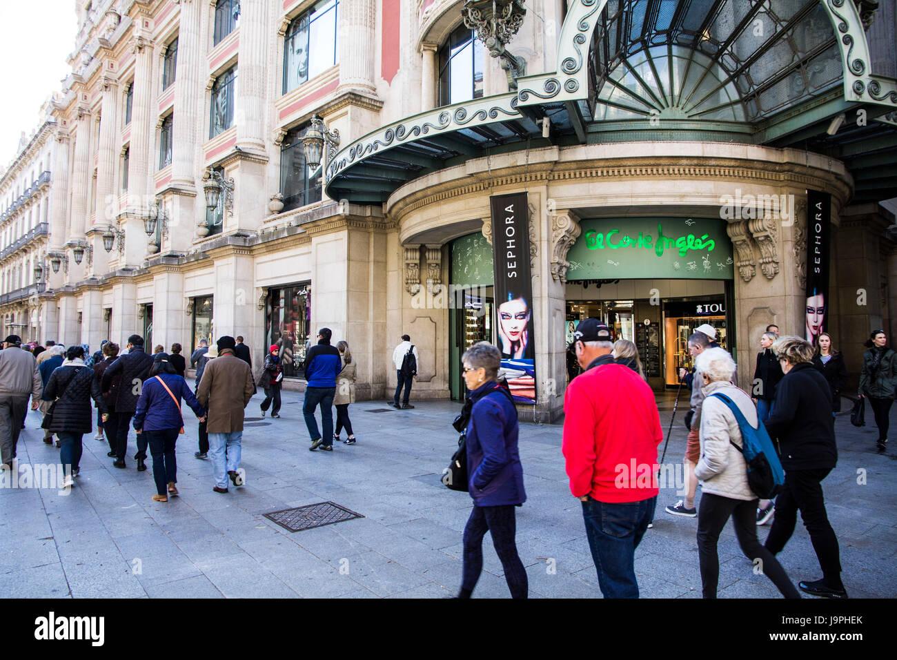 Portal de L'Angel is a popular pedestrian/shopping street in the Ciutat Vella district of Barcelona. Spain. - Stock Image
