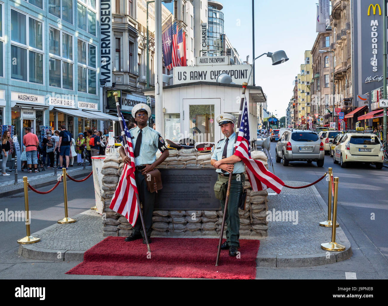 us army soldiers at checkpoint charlie berlin germany stock photo 143714659 alamy. Black Bedroom Furniture Sets. Home Design Ideas