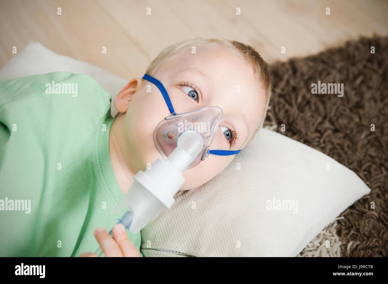 Child Oxygen Mask Stock Photos Amp Child Oxygen Mask Stock