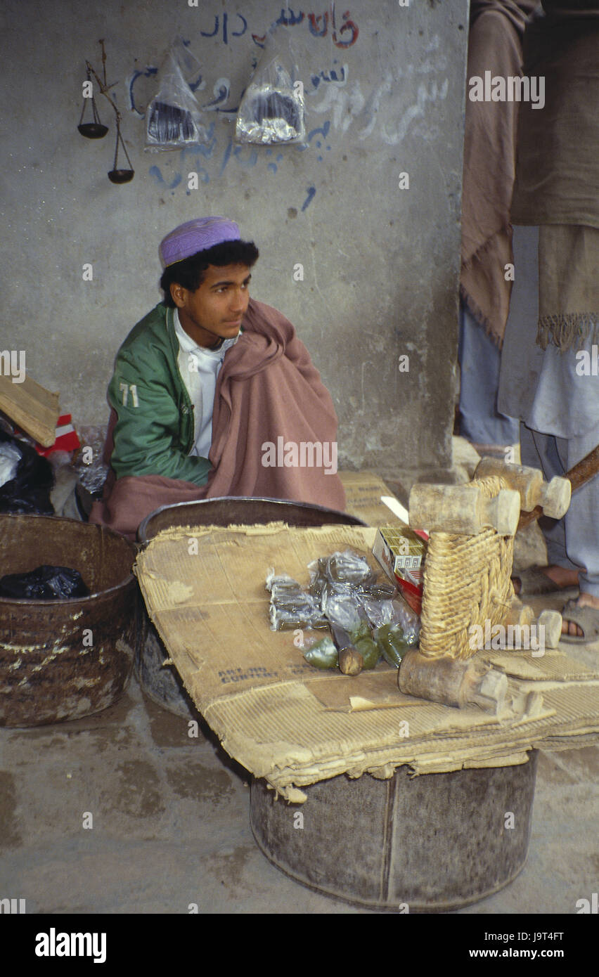 Pakistan,Darra,man,opium sales,no model release,dependence,Asia,drugs,business,trade,heroin,joint,Khyberpass,marihuana,market,opium,Paschtune,travel,mania,mania - Stock Image