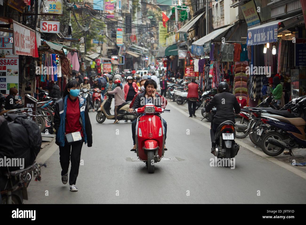 Busy street scene, Old Quarter, Hanoi, Vietnam - Stock Image