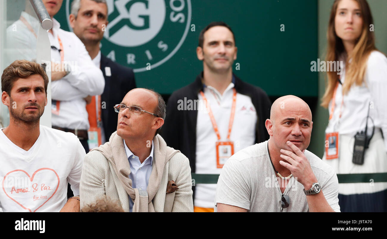 Paris Paris 2nd June 2017 Andre Agassi R Coach Of Novak Stock Photo Alamy