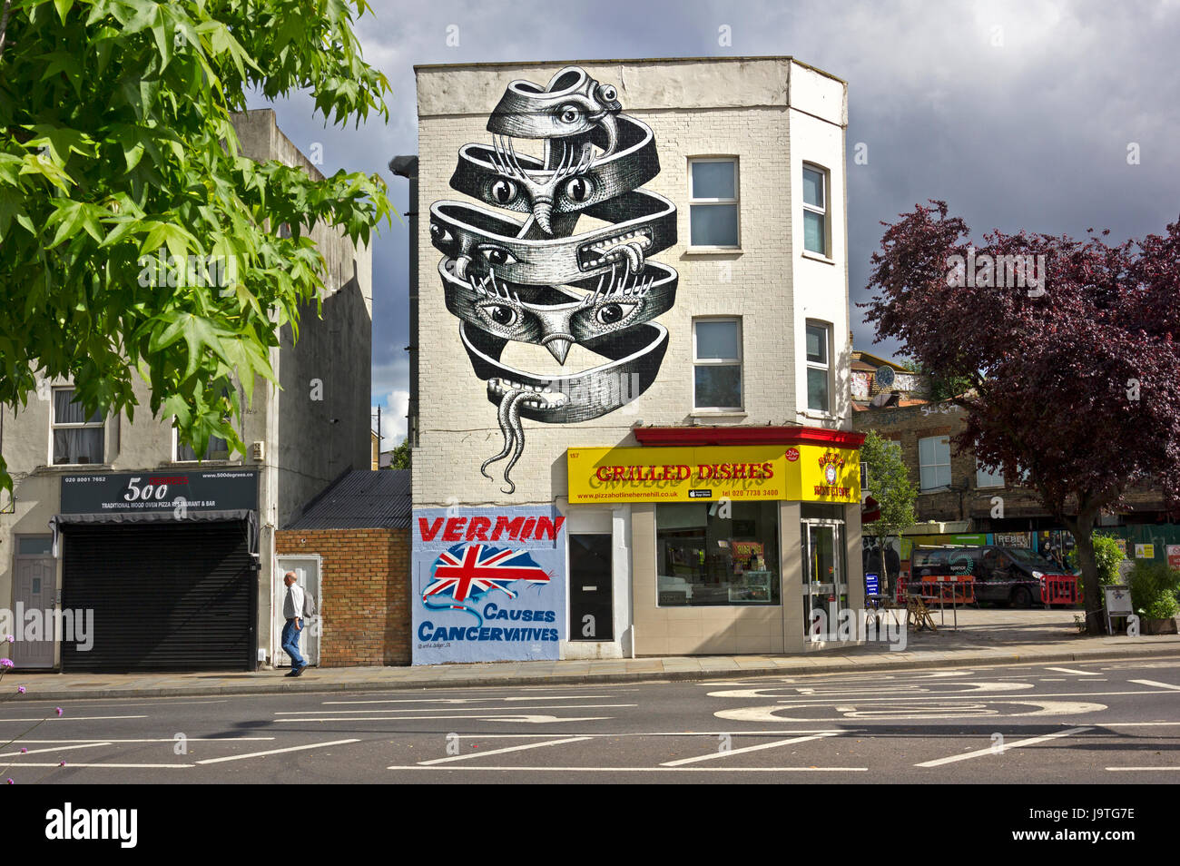 'VERMIN Causes Cancervatives' New political mural by street artist Artful Dodger on a wall in Herne Hill, - Stock Image