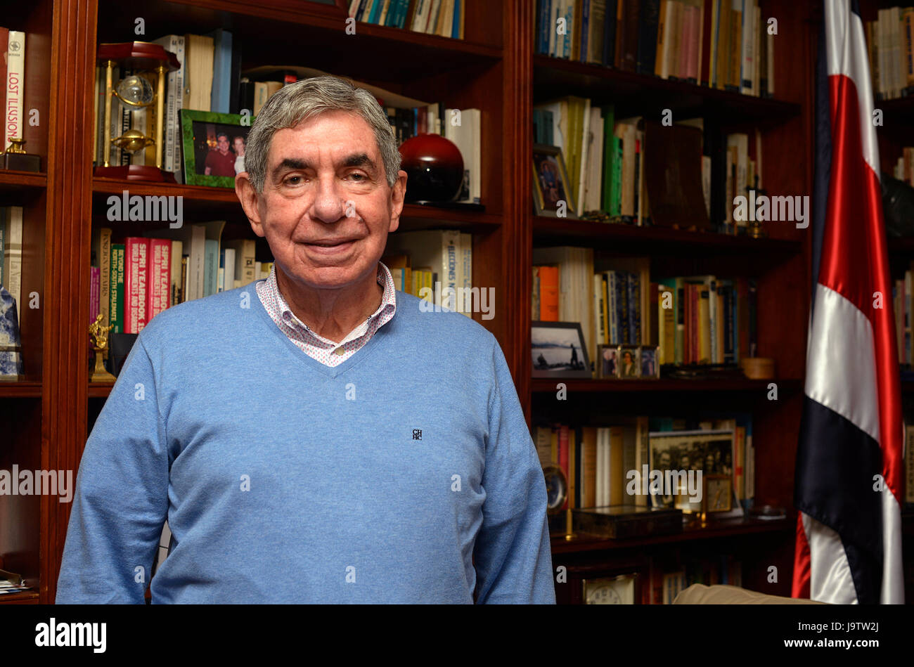 Former Costa Rican President and Nobel Peace Prize laureate Oscar Arias sits in the office of his home in San José, - Stock Image