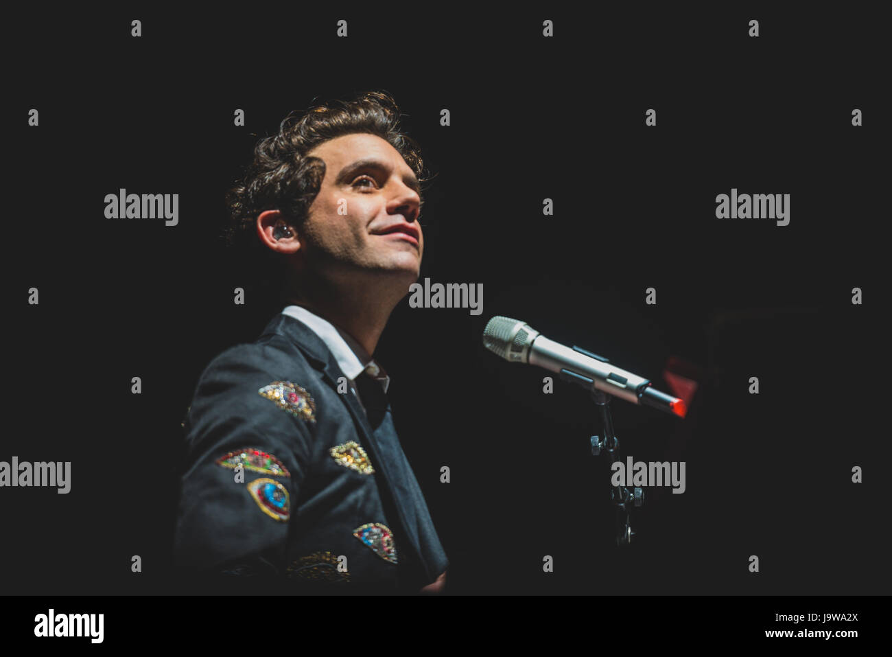 July 17, 2016: Mika performing live on stage at the Collisioni Festival in Barolo for his summer tour 2016 Photo: - Stock Image