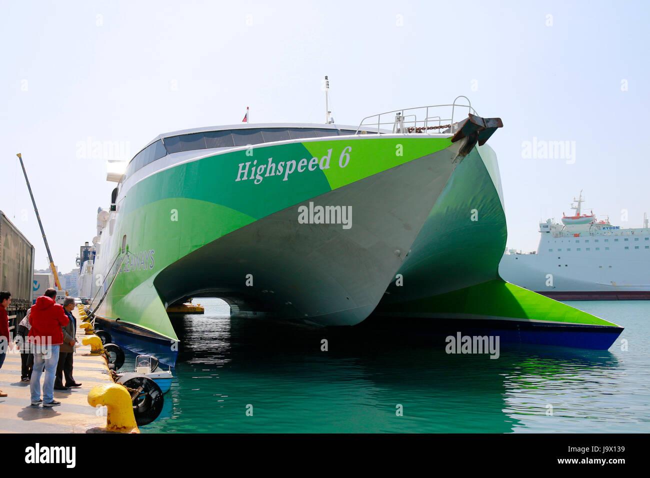 Katamaran-Faehre, Hafen, Piraeus, Griechenland. Stock Photo