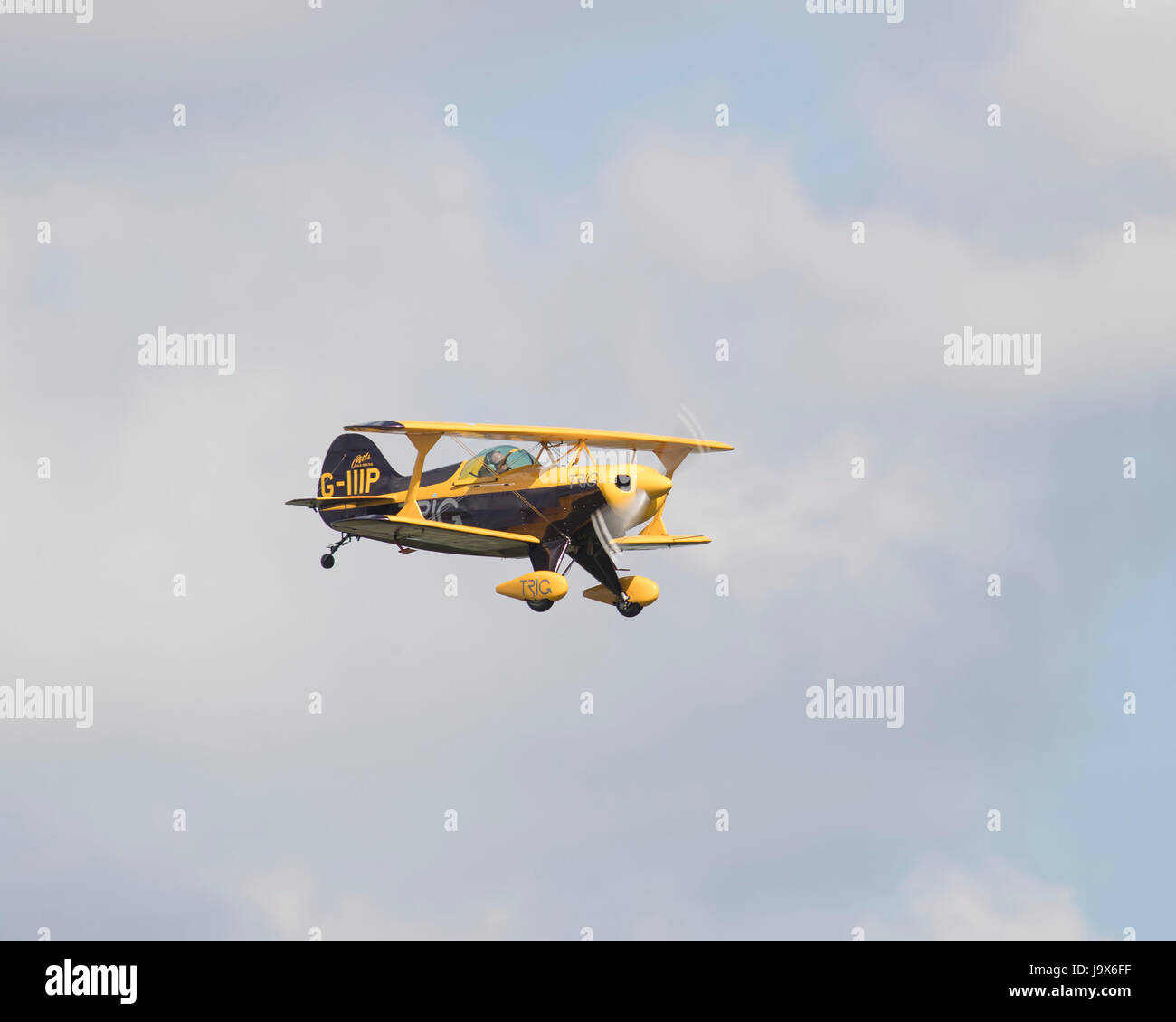 de Havilland DH.90 Dragonfly 1930s biplane flying - Stock Image