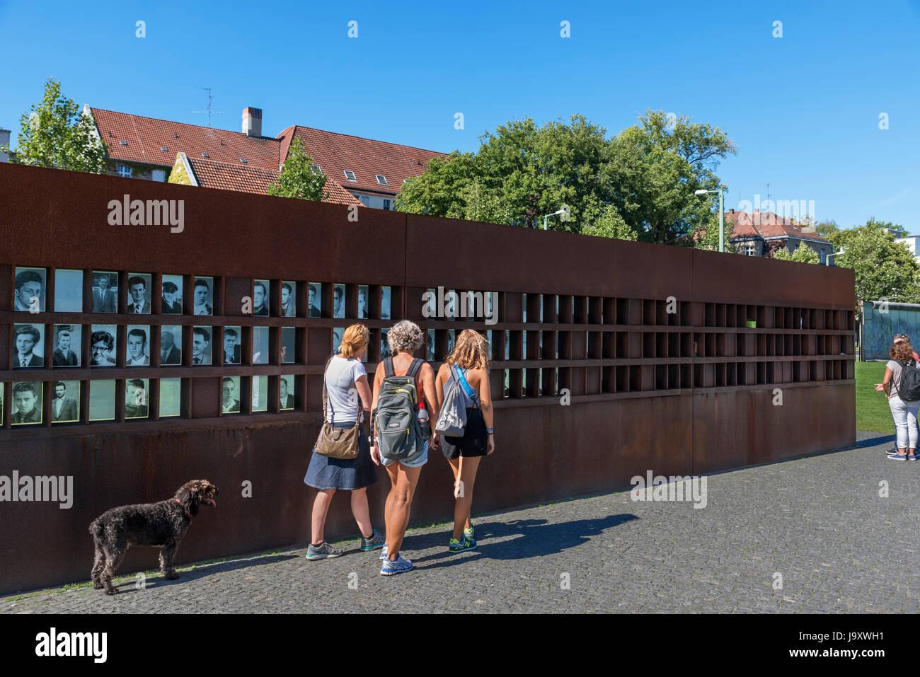The Gedenkstätte Berliner Mauer (Berlin Wall Memorial), Bernauer Strasse, Berlin, Germany - Stock Image