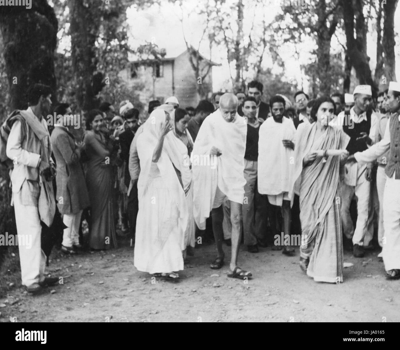 Mohandas K. Ghandi and his followers, India, 1945. - Stock Image
