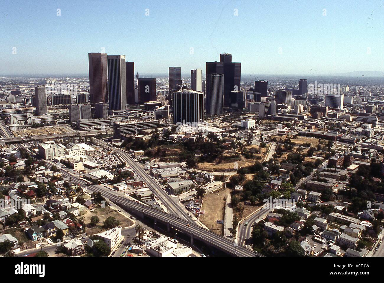 aerial-view-of-downtown-los-angeles-in-1