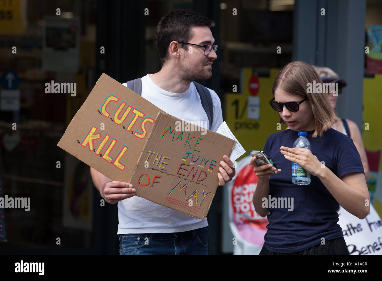 Maidenhead, UK. 3rd June, 2017. Activists from DPAC (Disabled People Against Cuts) protest against Government cuts - Stock Image
