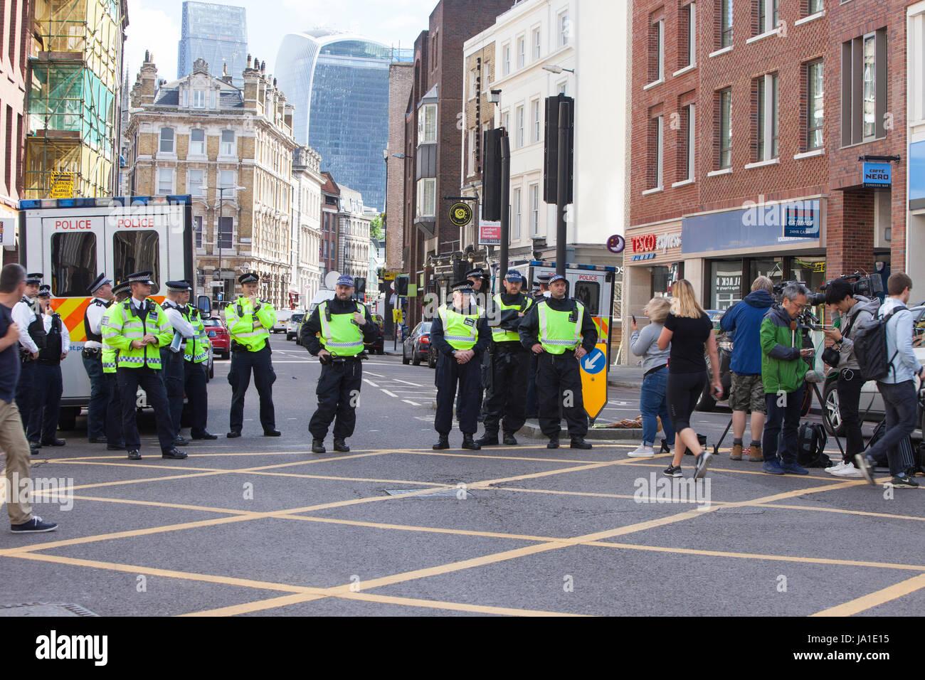 London, UK. 04th June, 2017. Morning after Terror attack on Saturday June 03.06.2017, London, Borough High Street, - Stock Image