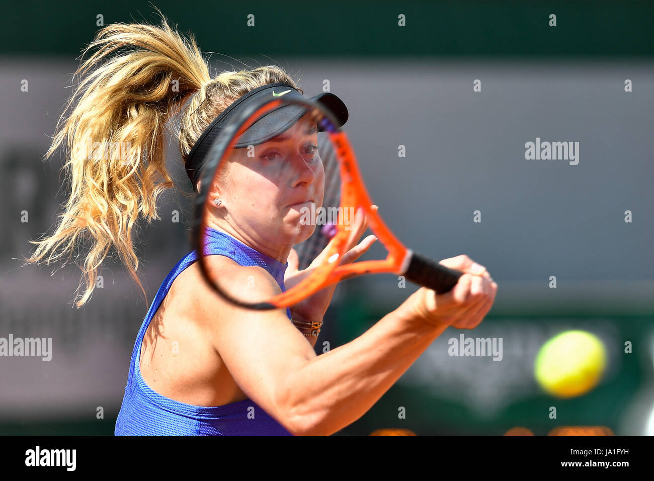 Paris. 4th June, 2017. Elina Svitolina of Ukraine competes during the women's singles 3rd round match against Magda Stock Photo