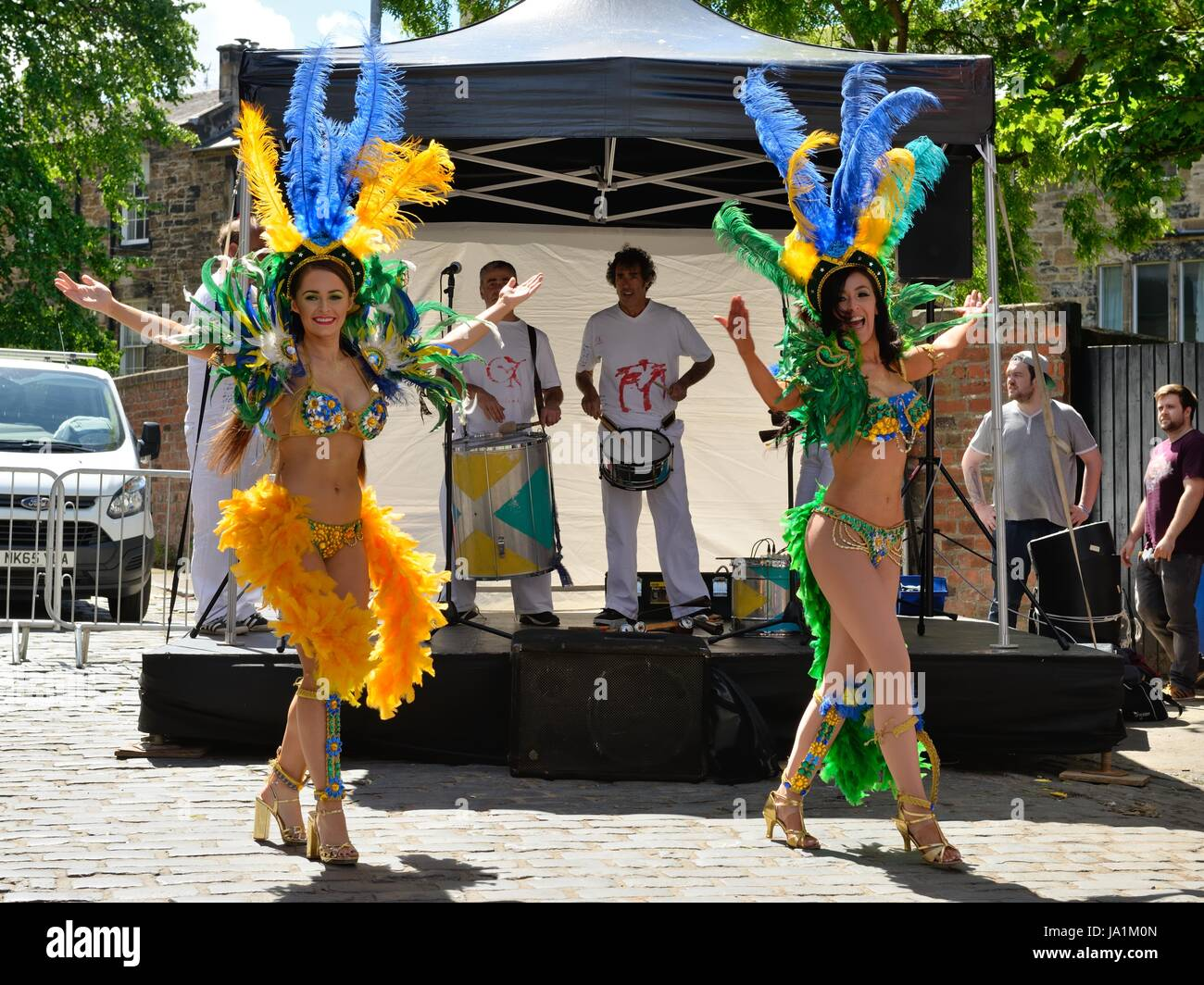 Glasgow, UK. 4th June, 2017. The west end festival got underway today with street performers, music, dance, food - Stock Image